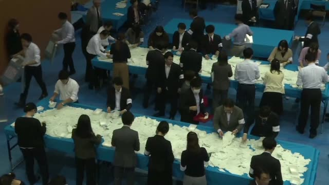 japanese prime minister shinzo abe swept to a comfortable victory in a snap election handing him a mandate to harden his already hawkish stance on... - prime minister video stock e b–roll