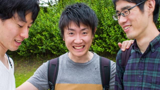 vídeos y material grabado en eventos de stock de estudiantes japonés - 20 a 29 años