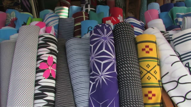 vídeos de stock, filmes e b-roll de japanese traditional shop - rolo