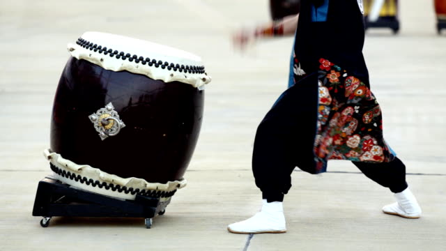 hd: japanese traditional taiko drum and drummer (video) - drummer stock videos & royalty-free footage