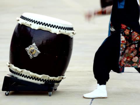 ntsc : 日本の伝統的な和太鼓やドラム(ビデオ) - 太鼓点の映像素材/bロール