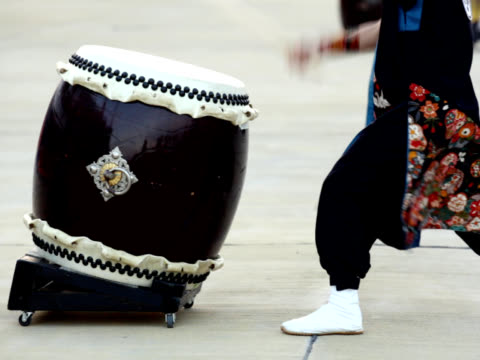pal : 日本の伝統的な和太鼓やドラム(ビデオ) - 太鼓点の映像素材/bロール