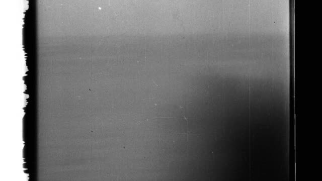 vidéos et rushes de japanese warships in the bay open anti-aircraft fire on a united states aircraft. - vaisseau de guerre