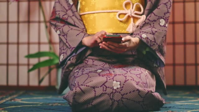 japanese woman wearing kimono - kimono stock videos & royalty-free footage