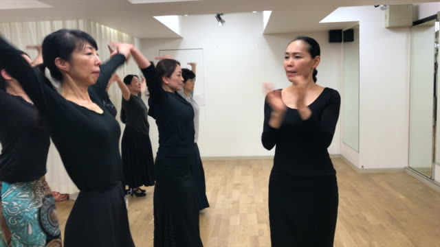 Japanese women practicing flamenco