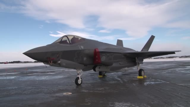 japan on friday deployed its first f35a stealth fighter at misawa air base in the northeastern prefecture of aomori to respond to airspace incursions... - 米軍点の映像素材/bロール