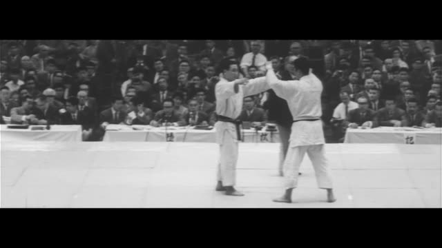 japan's no. 1 judoka/judo championships final match, inokuma vs. hasegawa, inokuma wins, awards ceremony, sports - 柔道点の映像素材/bロール