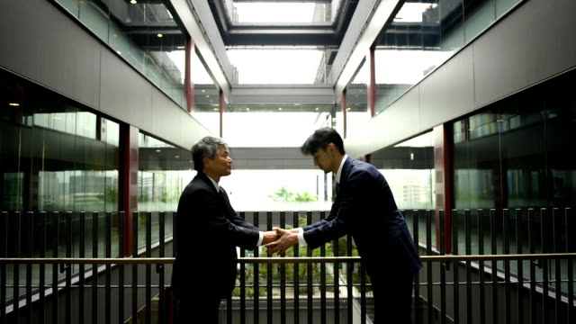 japnese businessmen bowing - east asian ethnicity stock videos & royalty-free footage