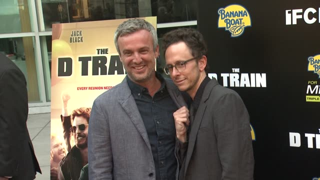 vídeos de stock, filmes e b-roll de jarrad paul and andrew mogel at the d train los angeles premiere at arclight cinemas on april 27 2015 in hollywood california - arclight cinemas hollywood