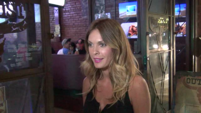vídeos de stock, filmes e b-roll de jasmine dustin at outpost restaurant on stealing a boyfriend and on lap dances in hollywood 07/10/13 jasmine dustin at outpost restaurant on stealing... - lap dancing