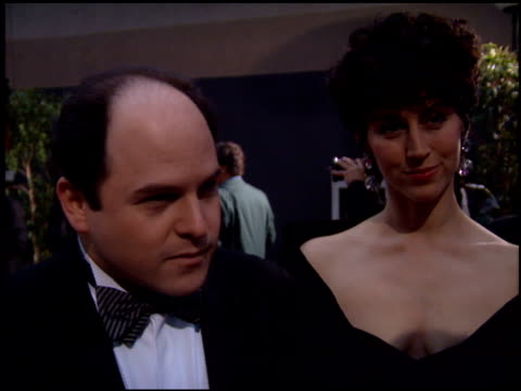 stockvideo's en b-roll-footage met jason alexander at the 1995 screen actors guild sag awards at universal studios in universal city california on february 25 1995 - screen actors guild awards