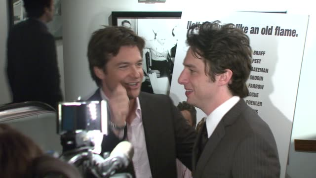 stockvideo's en b-roll-footage met jason bateman and zach braff at the 'the ex' premiere at director's guild of america in new york new york on may 3 2007 - director's guild of america