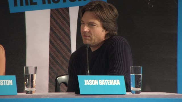 vídeos y material grabado en eventos de stock de interview jason bateman on the input he and the rest of the cast were given for the film and the expectations of the sequel at 'horrible bosses 2'... - dispositivo de entrada