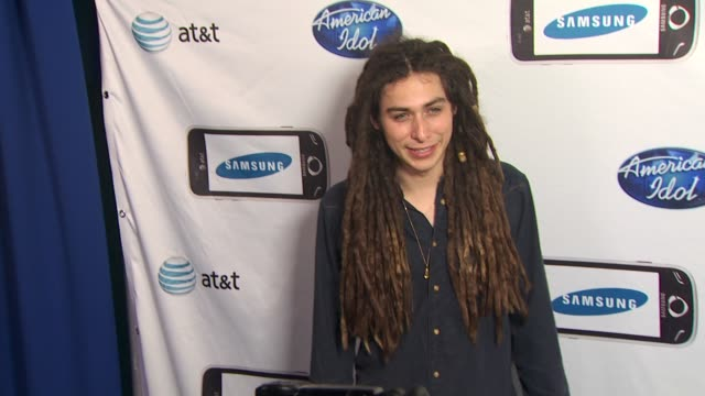 jason castro at the 'american idol' top 24 semi-finalists event at west hollywood ca. - 準決勝点の映像素材/bロール