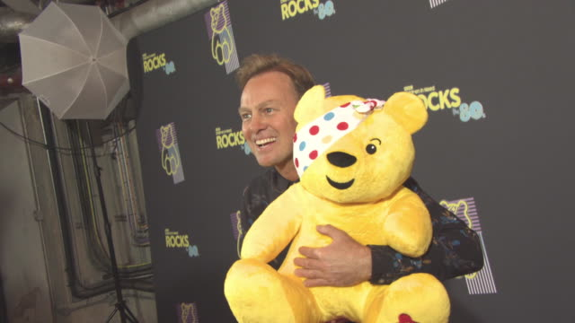 vidéos et rushes de jason donovan at bbc children in need rocks the 80s at sse arena on october 19, 2017 in london, england. - bbc children in need