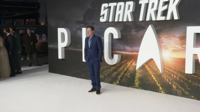 jason isaacs at 'star trek picard' premiere at odeon luxe leicester square on january 15 2020 in london england - jason isaacs stock videos & royalty-free footage