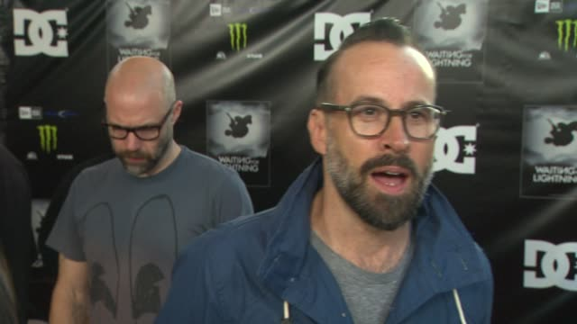 jason lee on why he wanted to support the film being a fan of dannyõs what drives guys like him to pull risky stunts how the sport of skateboarding... - dc shoes stock videos & royalty-free footage