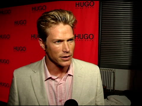 jason lewis on his current projects at the return of the hugo boss roof deck presented by hugo hugo boss with djs tommy lee and grand master flash at... - hugo boss stock-videos und b-roll-filmmaterial
