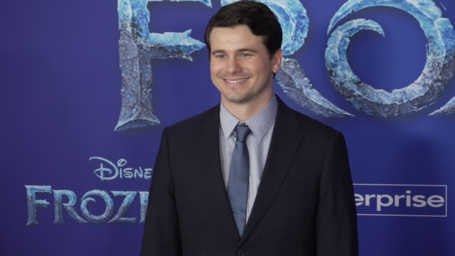 "jason ritter at the ""frozen ii"" world premiere at dolby theatre on november 07, 2019 in hollywood, california. - 首映 個影片檔及 b 捲影像"