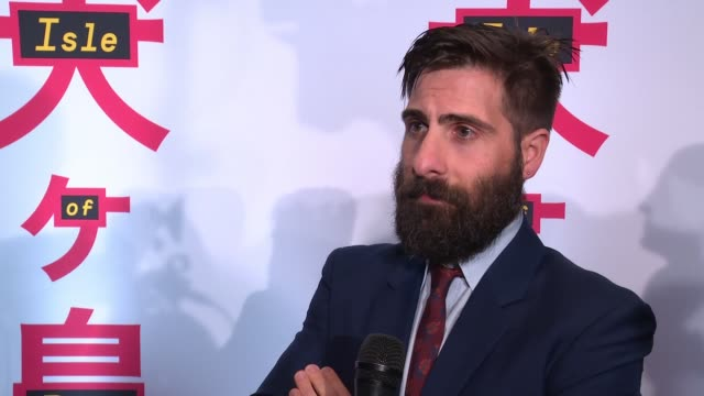 interview jason schwartzman on working with his best friend wes and being proud of the film at isle of dogs new york special screening presented by... - proiezione evento pubblicitario video stock e b–roll
