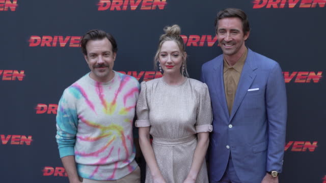 vídeos de stock, filmes e b-roll de jason sudeikis judy greer and lee pace at the los angeles premiere of driven on july 29 2019 in hollywood california - judy greer