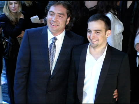javier bardem and alejandro amenabar at the 2005 critics' choice awards at the wiltern theater in los angeles california on january 10 2005 - javier bardem stock videos and b-roll footage