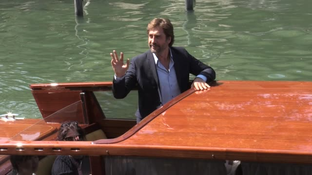 javier bardem michelle pfeiffer and darren aronofsky arriving at mother press conference at 2017 venice film festival venice italy 5th september 2017 - michelle pfeiffer stock videos & royalty-free footage