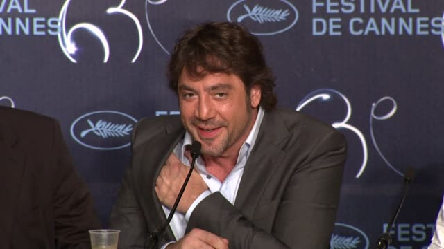javier bardem on his choices of films and he jokes that he chooses films based on the money and sunny location at the biutiful press conference... - javier bardem stock videos and b-roll footage