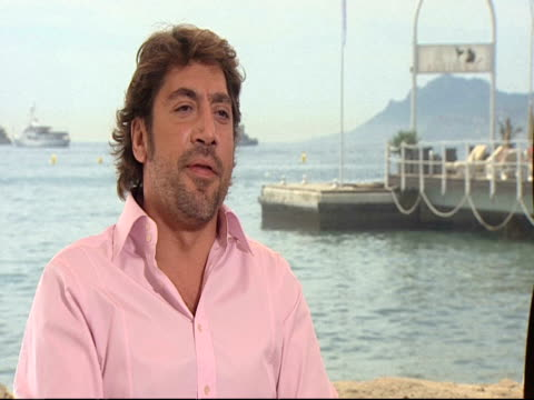 javier bardem on how intense the role was to play and how hard it was to deal with the subject matter as an actor he has to detach himself but draw... - javier bardem stock-videos und b-roll-filmmaterial