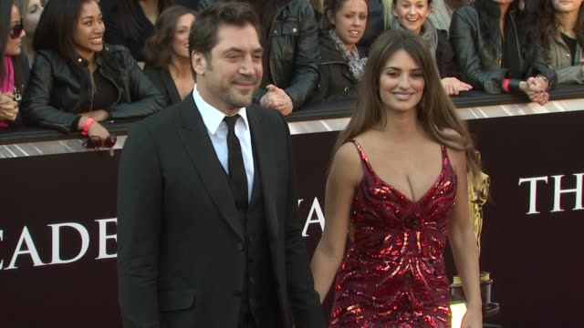 vidéos et rushes de javier bardem, penelope cruz at the 83rd annual academy awards - arrivals part 3 at hollywood ca. - penélope cruz