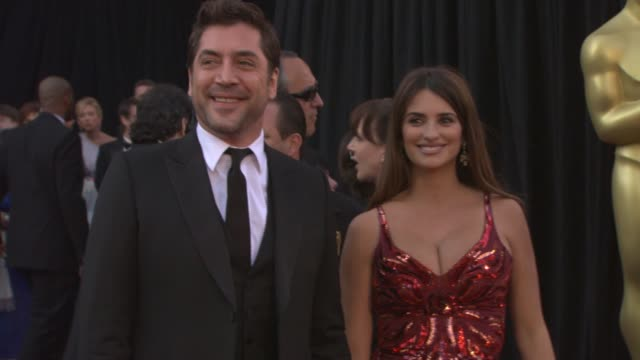 Javier Bardem Penelope Cruz at the 83rd Annual Academy Awards Arrivals Pool Cam at Hollywood CA