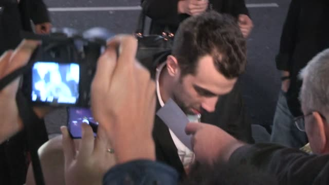 jay baruchel greets fans at the robocop premiere in hollywood celebrity sightings in los angeles on in los angeles california - jay baruchel stock videos and b-roll footage