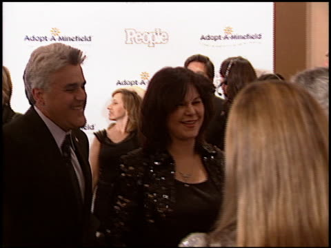 jay leno at the adopt-a-minefield gala at the beverly hilton in beverly hills, california on november 15, 2005. - tv司会 ジェイ・レノ点の映像素材/bロール