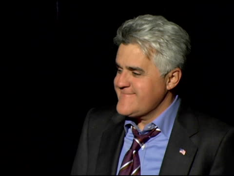 jay leno at the los angeles opening night of the tony award winning broadway show billy crystal '700 sundays' at the wilshire theatre in beverly... - tv司会 ジェイ・レノ点の映像素材/bロール