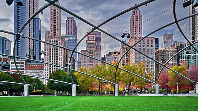jay pritzker pavilion. millennium park. chicago - millennium park chicago bildbanksvideor och videomaterial från bakom kulisserna