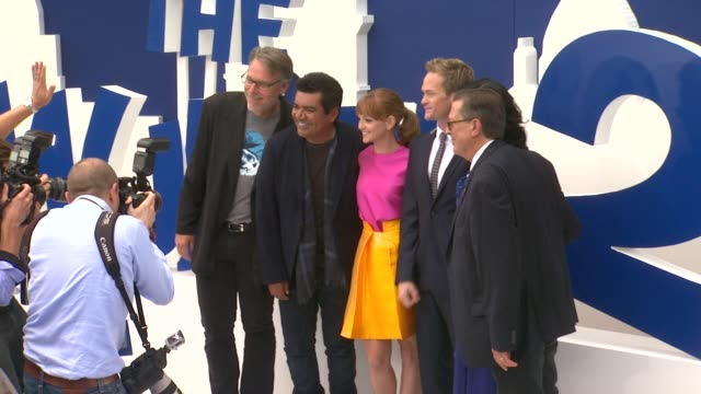 jayma mays george lopez neil patrick harris jb smoove at 'smurfs 2' los angeles premiere on 7/28/2013 in westwood ca - jayma mays stock videos and b-roll footage