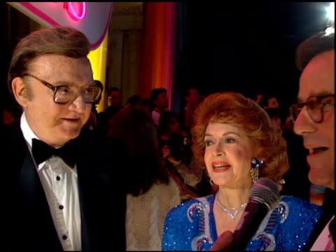 jayne meadows at the comedy awards 95 at the shrine auditorium in los angeles california on february 26 1995 - ジャーマンコメディアワード点の映像素材/bロール