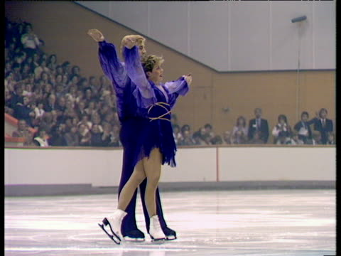 jayne torvill and christopher dean take bow following their performance of 'bolero' british ice dance championships nottingham nov 83 - figure skating stock videos & royalty-free footage