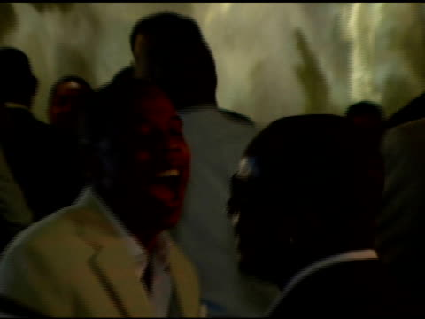 stockvideo's en b-roll-footage met jay-z/ president and ceo, island def jam music and antonio 'reid/ chairman, island def jam music at the uja - federation of new york music visionary... - voorzitter