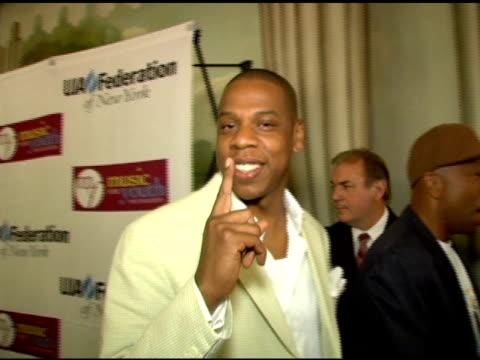 jayz/ president and ceo island def jam music at the uja federation of new york music visionary award honoring antonio 'la' reid at the pierre hotel... - hov bildbanksvideor och videomaterial från bakom kulisserna