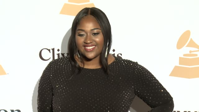 stockvideo's en b-roll-footage met jazmine sullivan at the 2016 pregrammy gala and salute to industry icons honoring irving azoff at the beverly hilton hotel on february 14 2016 in... - irving azoff