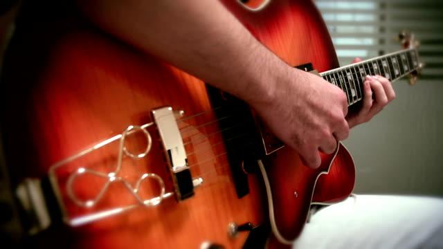 vidéos et rushes de jazz à la guitare - doigt humain