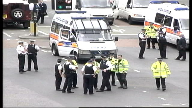 police officers not to face charges tx england london stockwell tube station ext high angle shot police officers and vehicles outside stockwell tube... - stockwell stock videos and b-roll footage