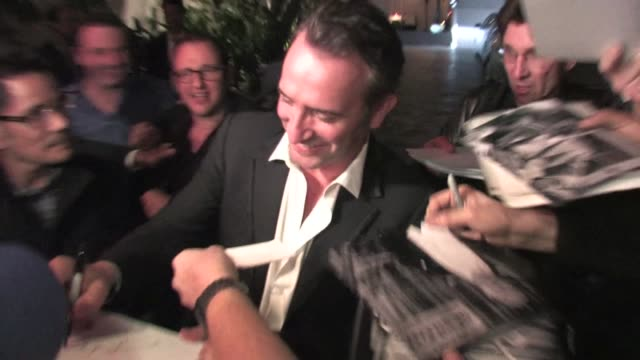 jean dujardin meets fans at chateau marmont in west hollywood 01/29/12 in celebrity sightings in los angeles - jean dujardin stock videos and b-roll footage