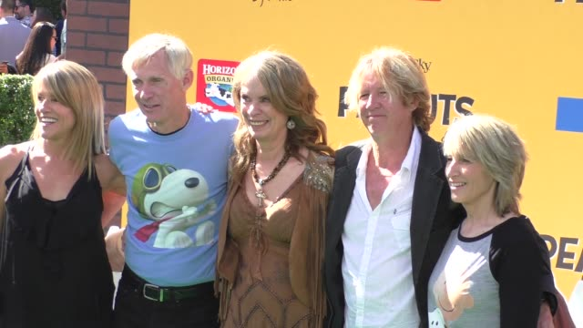 jean schulz, craig schulz, and family at the peanuts movie premiere at regency village theatre in westwood on november 01, 2015 in los angeles,... - regency village theater stock videos & royalty-free footage