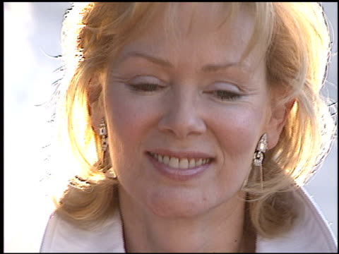 jean smart at the 'garden state' premiere at dga directors guild in los angeles, california on july 20, 2004. - アメリカ監督組合点の映像素材/bロール