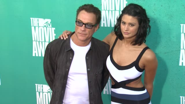 jean-claude van damme at 2012 mtv movie awards - arrivals at gibson amphitheatre on june 03, 2012 in universal city, california - gibson amphitheatre stock-videos und b-roll-filmmaterial