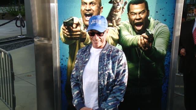 """vídeos y material grabado en eventos de stock de jean-claude van damme at """"keanu"""" los angeles premiere at arclight cinemas cinerama dome on april 27, 2016 in hollywood, california. - cinerama dome hollywood"""