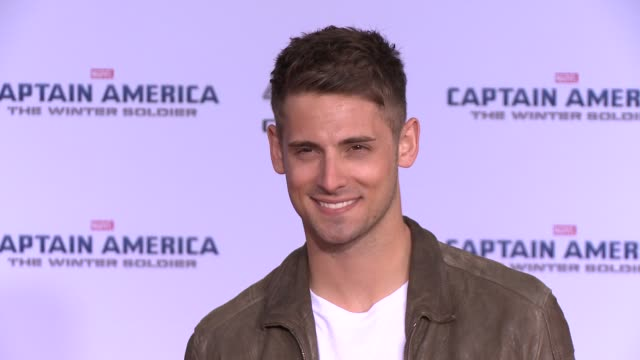 vídeos y material grabado en eventos de stock de jeanluc bilodeau at the captain america the winter soldier los angeles premiere at the el capitan theatre on march 13 2014 in hollywood california - cines el capitán