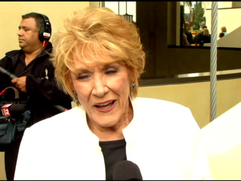 stockvideo's en b-roll-footage met jeanne cooper on working on 'the young and the restless' for 35 years, on how things in the soap opera arena have changed over the years, on why the... - soapserie